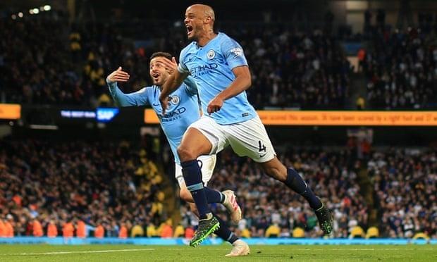 Vượt qua Leicester 1-0, Man City chạm tay vào cúp vô địch
