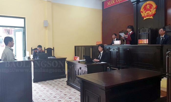 Tòa án Nhân dân huyện Hữu Lũng tổ chức tốt các phiên tòa rút kinh nghiệm