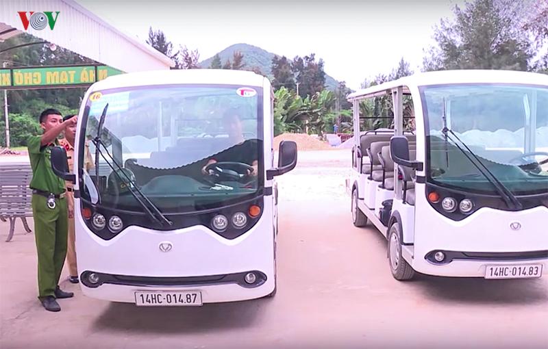 Hơn 100 xe điện phục vụ du khách trên đảo Quan Lạn, Quảng Ninh