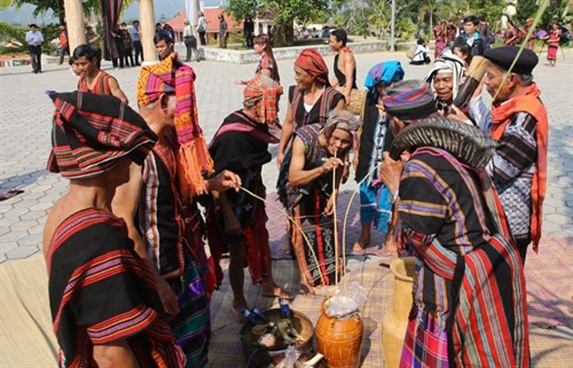 Giao lưu văn hóa Việt – Lào