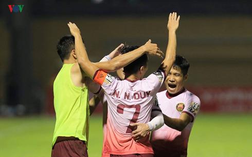 Bảng xếp hạng sau vòng 11 V-League 2019: TP HCM bỏ xa Hà Nội FC