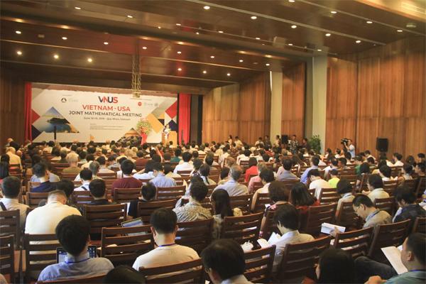 Gần 300 nhà toán học tham gia Hội nghị Toán học Việt - Mỹ năm 2019