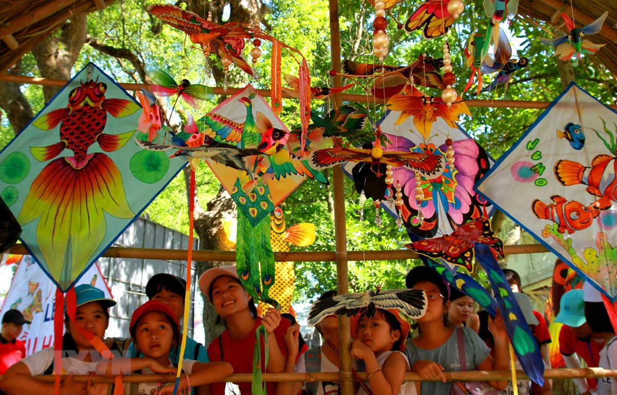 Lễ hội Diều Huế 2019: Lưu giữ nghệ thuật chơi diều trên đất Cố đô