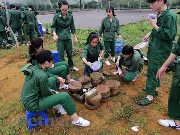 Rèn kỹ năng quân sự: Học sinh 'cai' điện thoại và xa cơm mẹ nấu
