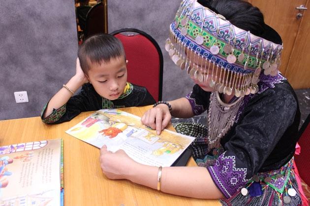 Xây dựng thói quen đọc sách cho trẻ em vùng khó khăn
