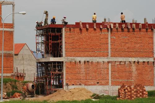 """Vật liệu xây dựng tăng giá mạnh""""đội"""" giá thành xây dựng lên cao"""