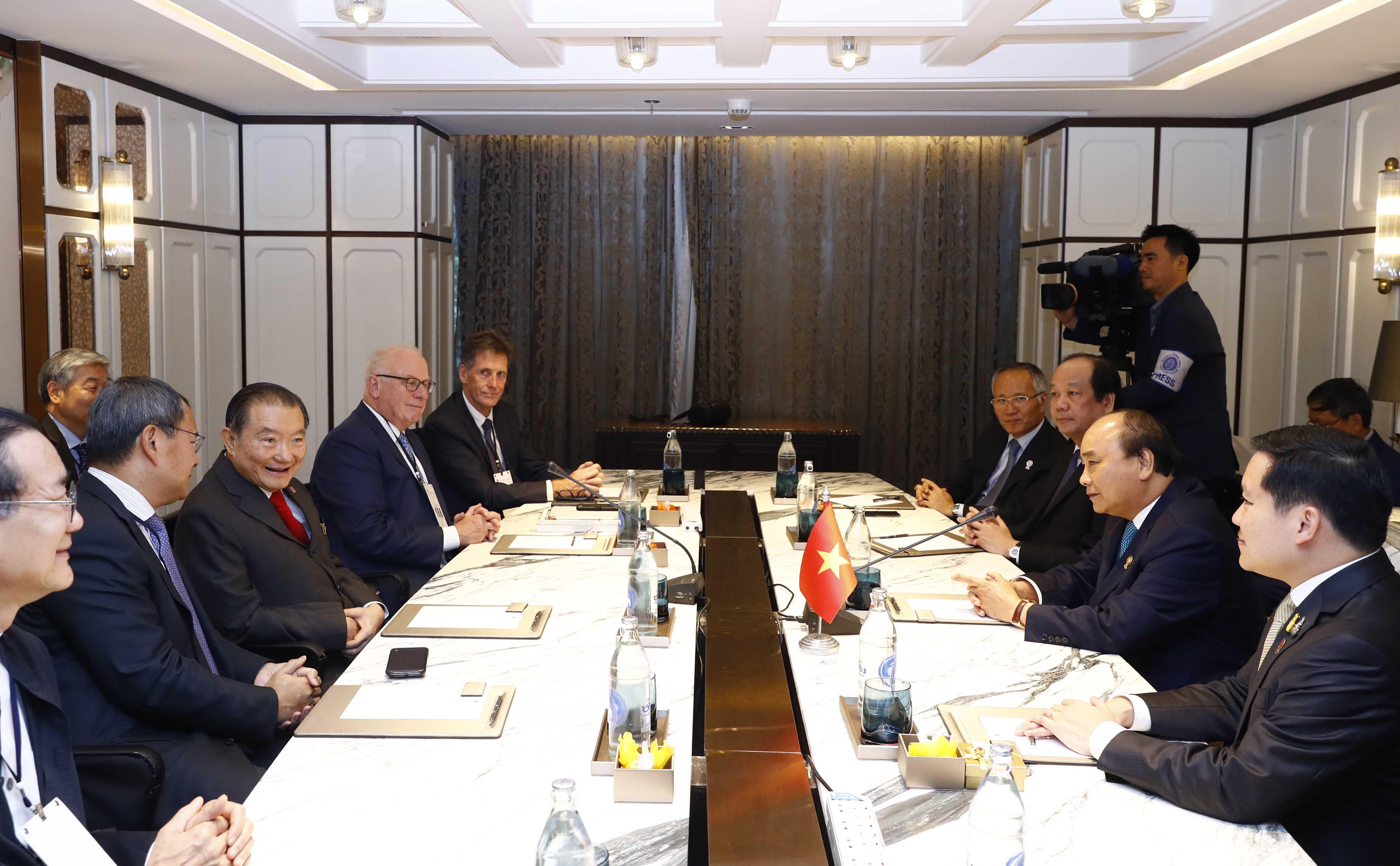 Thủ tướng tiếp lãnh đạo các tập đoàn lớn của Thái Lan