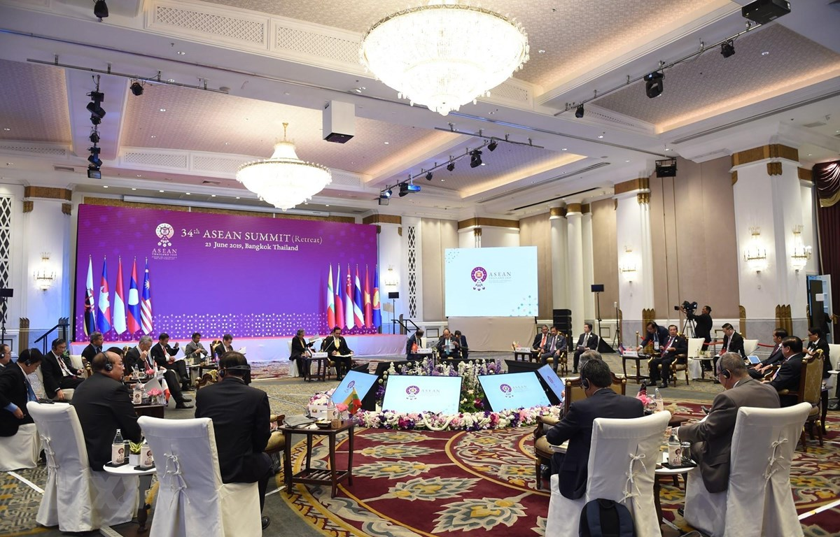 Thủ tướng kết thúc tốt đẹp chuyến tham dự Hội nghị Cấp cao ASEAN 34