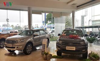 """Xe nhập khẩu """"tăng tốc"""" về Việt Nam, giá xe giảm mạnh"""