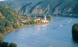 Báo động ô nhiễm kháng sinh trên các dòng sông