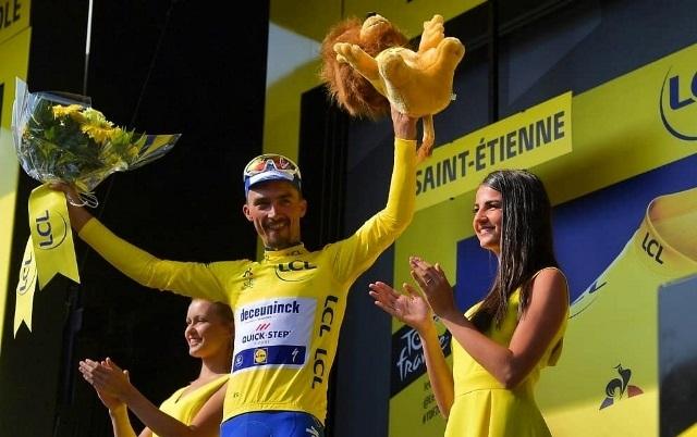 Tour de France: Alaphilippe đòi lại áo vàng sau chặng tám