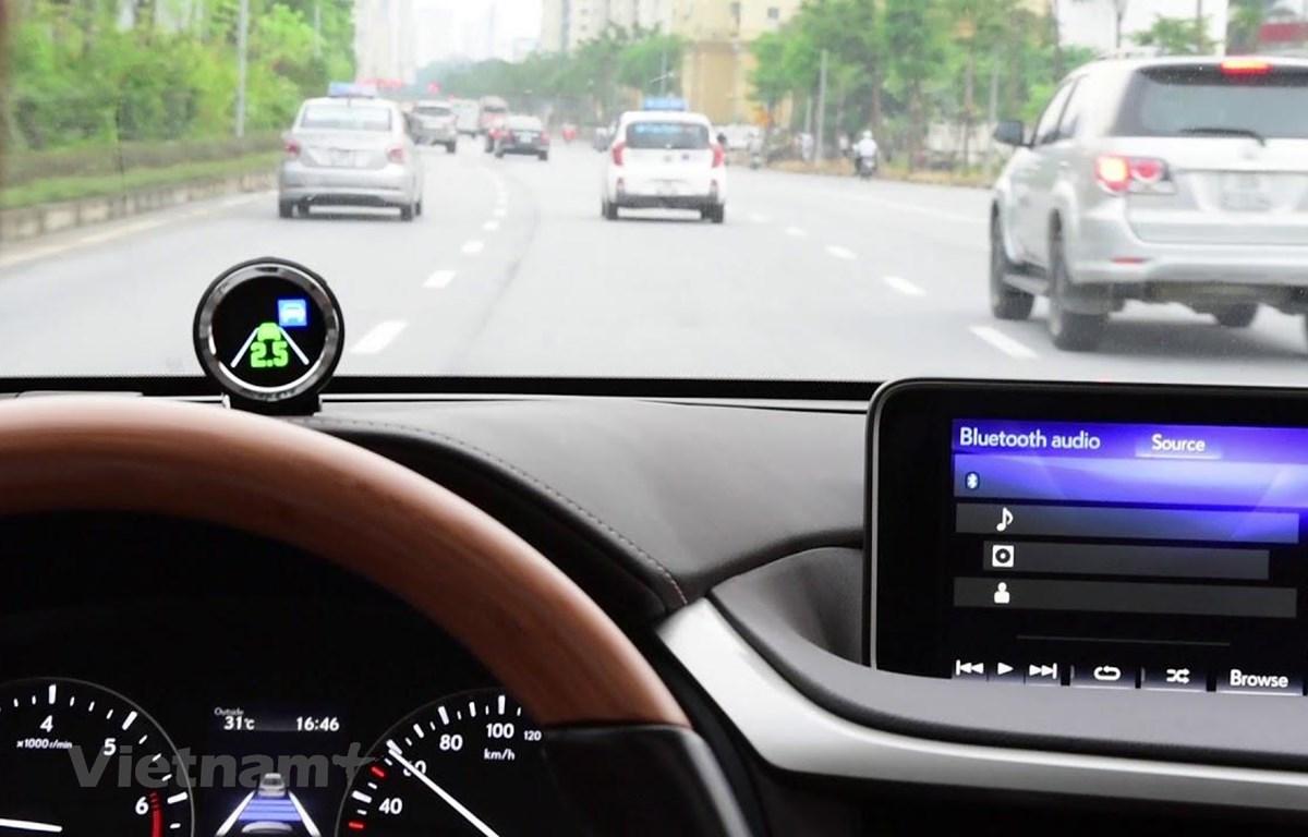 Giảm tai nạn giao thông: 'Mắt thần' cảnh báo, hỗ trợ lái xe an toàn