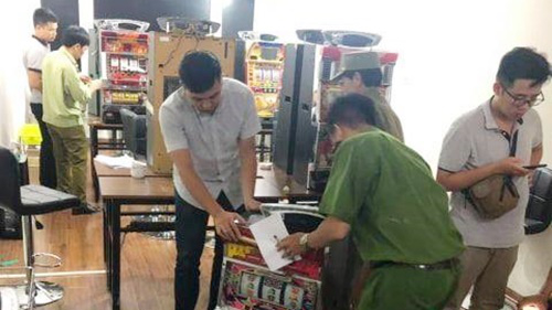 Triệt phá tụ điểm đánh bạc dành cho khách Nhật Bản, Hàn Quốc... tại Hà Nội