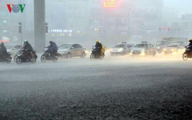 Thời tiết hôm nay 23/7: Cảnh báo dông lốc, mưa đá ở Bắc bộ