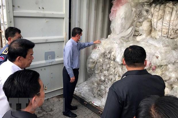 Campuchia phạt công ty đưa 1.600 tấn rác thải nhựa vào nước này