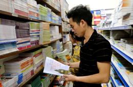 Thành phố Lạng Sơn: Sôi động thị trường sách đầu năm học mới