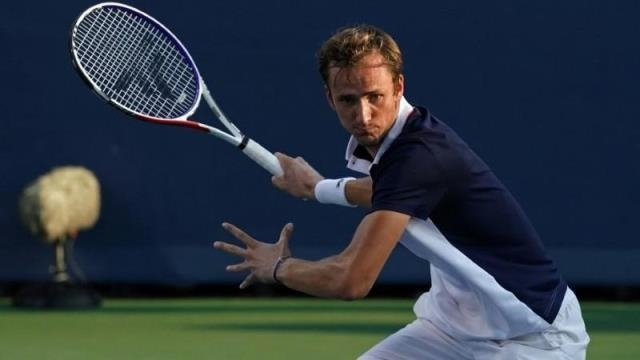 Medvedev biến Djokovic thành cựu vương ở Cincinnati Masters