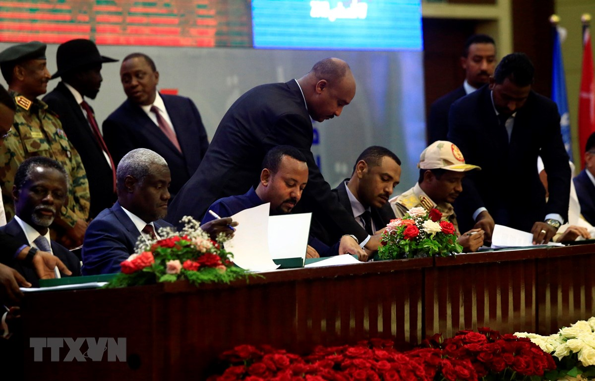 LHQ hoan nghênh các bên tại Sudan ký thỏa thuận chuyển tiếp