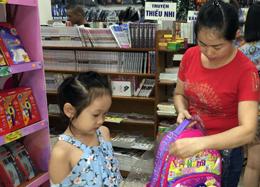 Cặp sách học sinh: Hàng Việt chiếm ưu thế