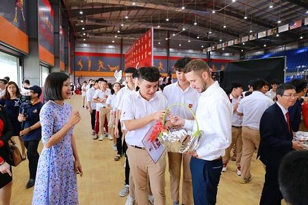 Gần 15.000 học sinh hệ thống giáo dục Nguyễn Hoàng đón năm học mới