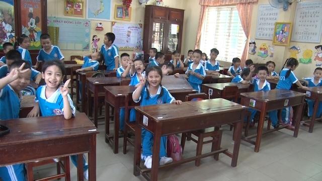 Các trường không được đổi đồng phục học sinh để tránh lãng phí