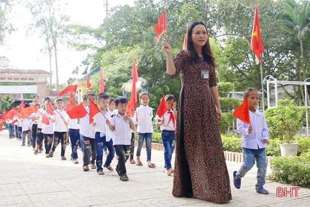 Hơn 260 trường học ở các vùng lũ Hà Tĩnh tổ chức lễ khai giảng muộn