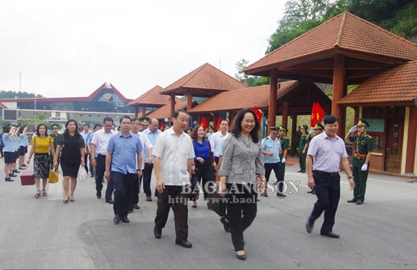 Đoàn đại biểu tỉnh Lạng Sơn thăm, làm việc tại Trung Quốc