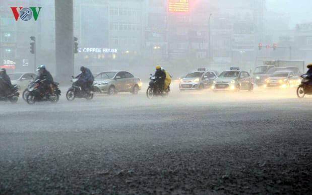 Thời tiết ngày 19/9: Hà Nội mưa trên diện rộng