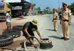 Cảnh sát giao thông Tràng Định: Xây dựng phong cách vì nhân dân phục vụ