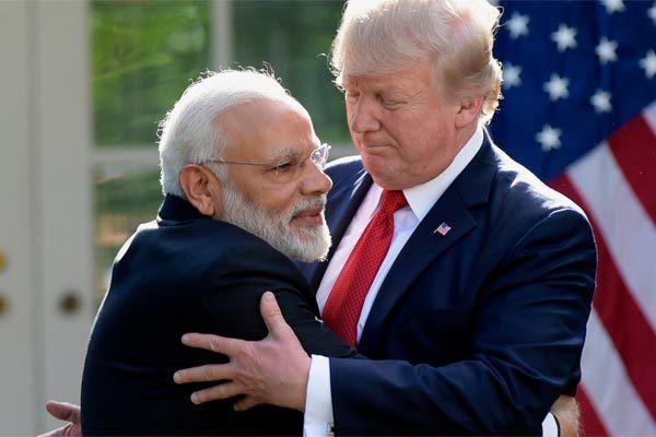 Thủ tướng Ấn Độ thăm Mỹ, nhận quà bất ngờ từ Tổng thống Trump