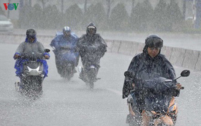 Thời tiết ngày 23/9: Các tỉnh miền Trung có mưa rào và dông
