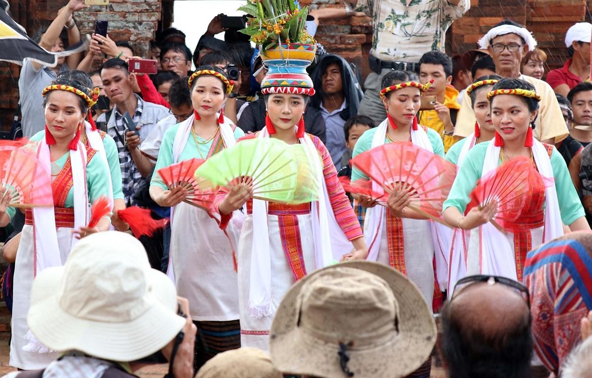 Tưng bừng Lễ hội Katê của đồng bào Chăm ở Ninh Thuận