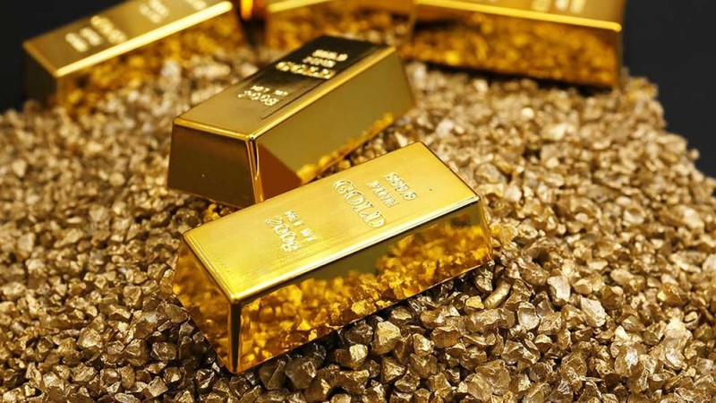 Giá vàng bật tăng mạnh, tiến gần mốc 42 triệu đồng/lượng