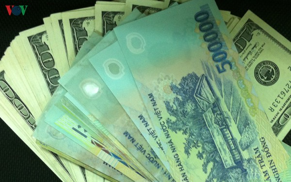 Giá USD trong nước ít biến động dù đồng bạc xanh trên thế giới neo cao