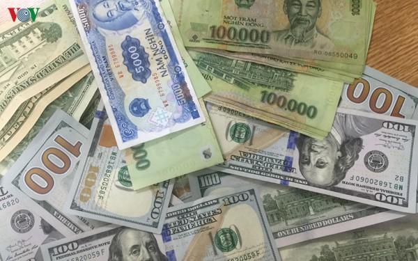 Giá USD thế giới tăng cao, trong nước gần như vẫn đứng yên tại chỗ