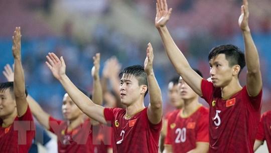 Kết quả: Việt Nam thắng trận đầu, 'ông lớn' phô trương sức mạnh
