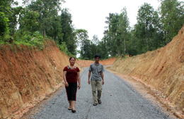 """Xây dựng nông thôn mới: Những người không tiếc """"tấc vàng"""""""