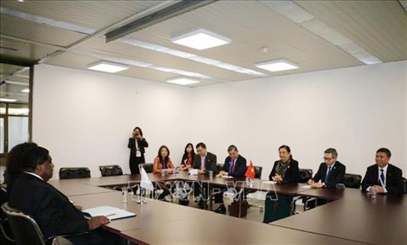 Phó Chủ tịch Quốc hội Tòng Thị Phóng tiếp xúc song phương bên lề Đại Hội đồng IPU-141