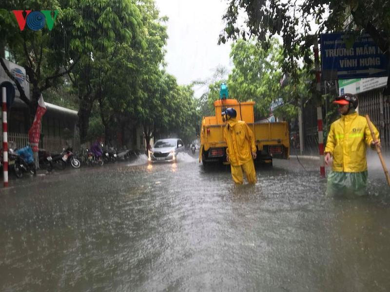 Thời tiết hôm nay: Hà Nội có lúc có mưa, mưa rào và dông