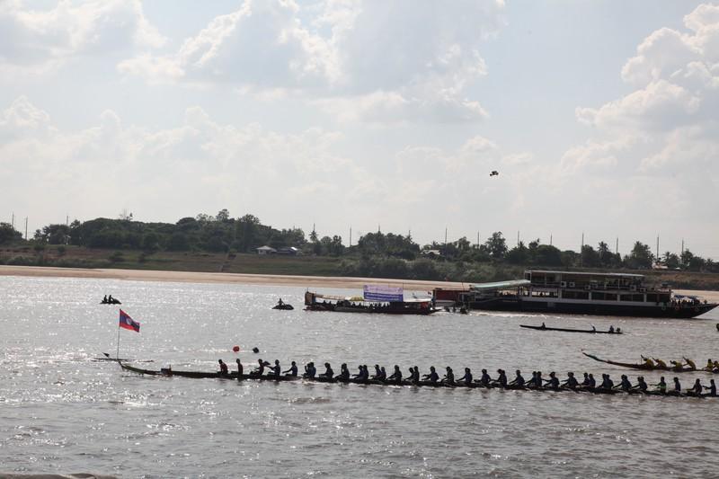 Tưng bừng Lễ hội đua thuyền dịp Lễ hội mãn chay năm 2019 tại Lào