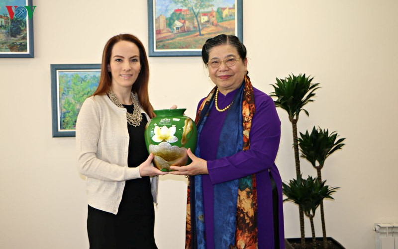 Phó Chủ tịch Quốc hội Tòng Thị Phóng gặp Chủ tịch IPU