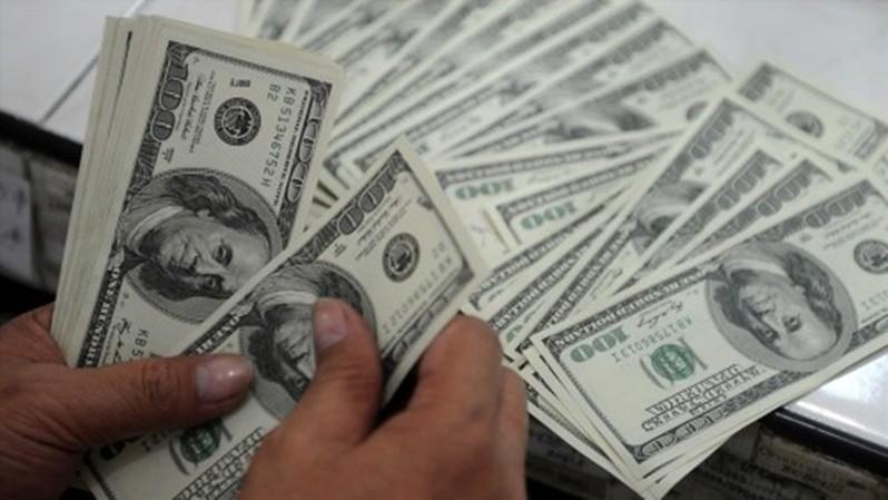 USD trong nước đứng giá dù thế giới tiếp tục tăng