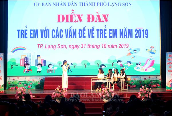 Hơn 300 học sinh tham dự diễn đàn về trẻ em