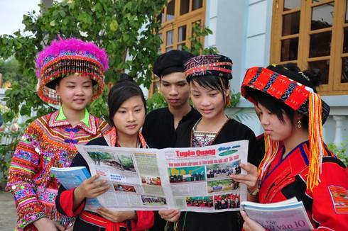 Hướng dẫn sử dụng kinh phí cấp báo, tạp chí cho vùng dân tộc thiểu số và miền núi