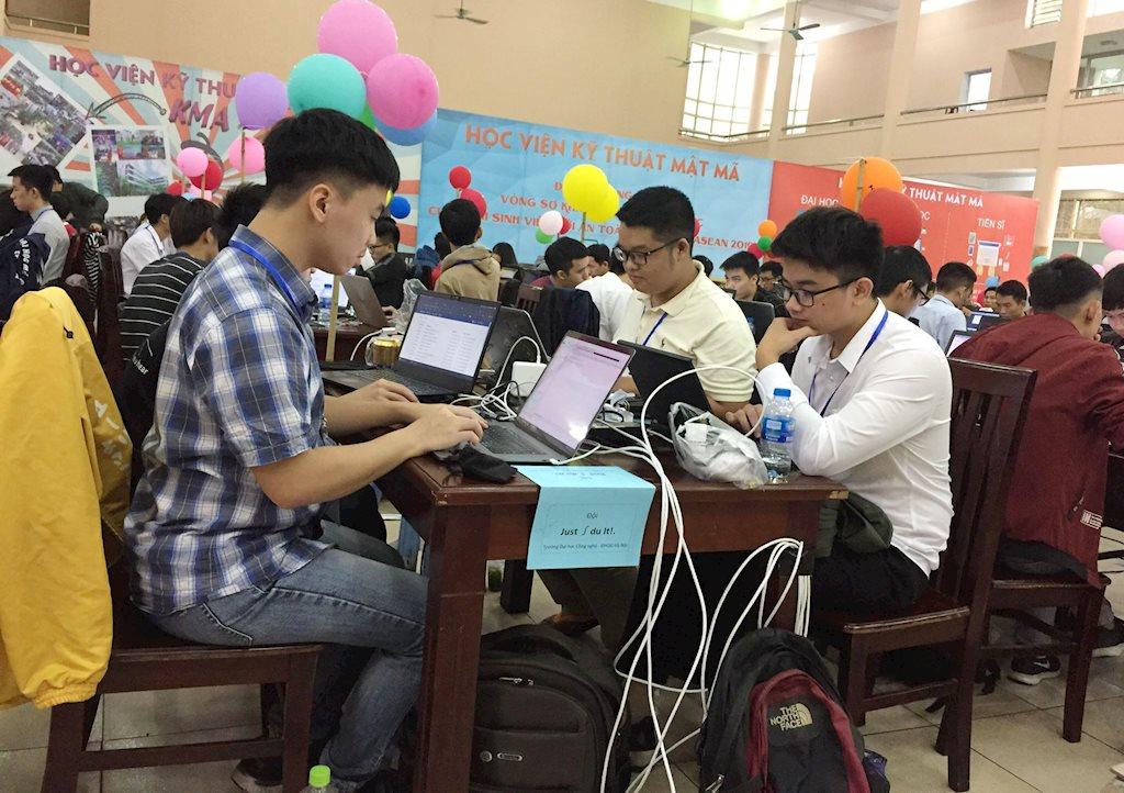 """10 đội Việt Nam lọt vòng thi chung khảo """"Sinh viên với an toàn thông tin Asean"""""""