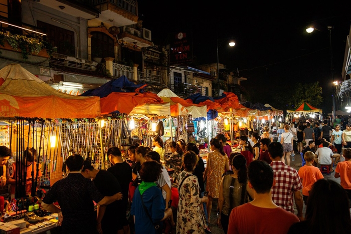 """Kinh tế ban đêm - """"cửa sáng"""" cho ngành du lịch"""