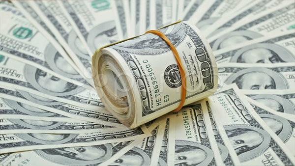 Giá USD phiên đầu tuần vẫn tiếp tục neo cao