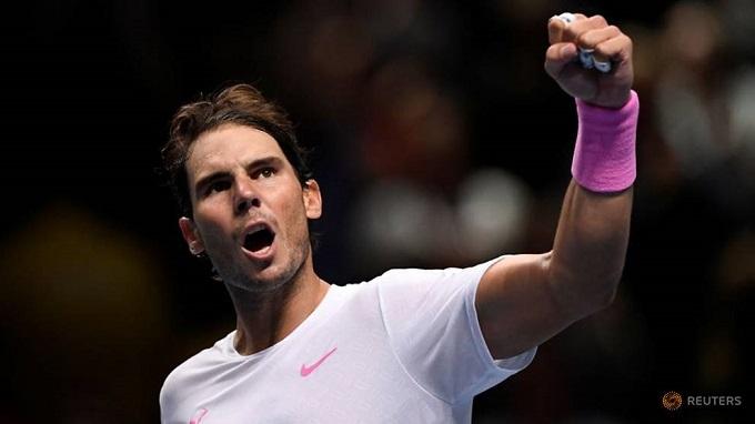 Thắng ngược Medvedev, Nadal thắp hy vọng vào bán kết ATP Finals