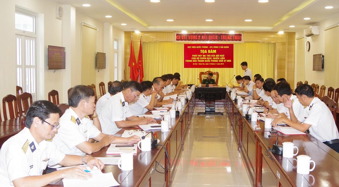 Học viện Quốc phòng và Bộ Tư lệnh Vùng 2 Hải quân: Tọa đàm về vai trò của đội ngũ cán bộ trong đấu tranh quốc phòng