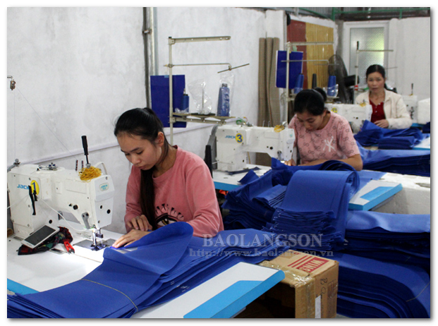 Tạo việc làm cho phụ nữ nông thôn